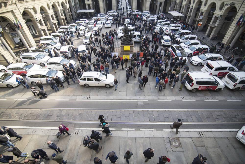 Taxis vs Licencias VTC, la guerra continúa